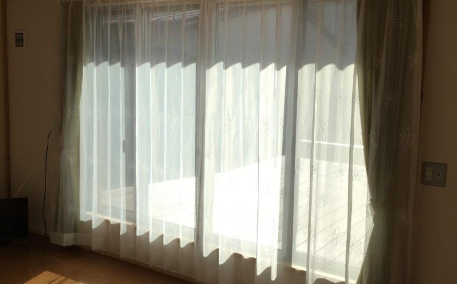 カーテンで気分もかけかえしましょう。