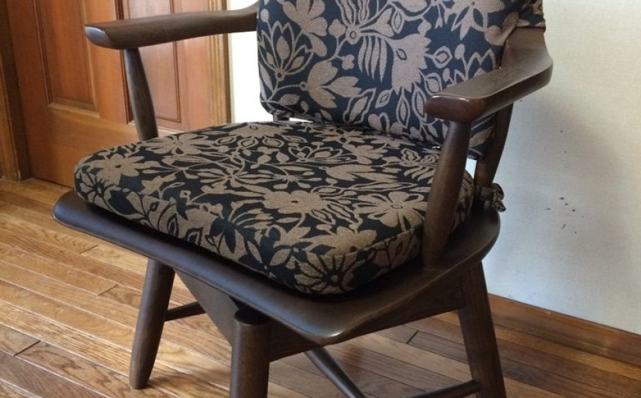 椅子のクッション製作